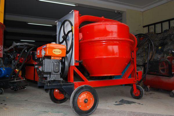 Giá bán máy trộn bê tông 350 lít động cơ diesel