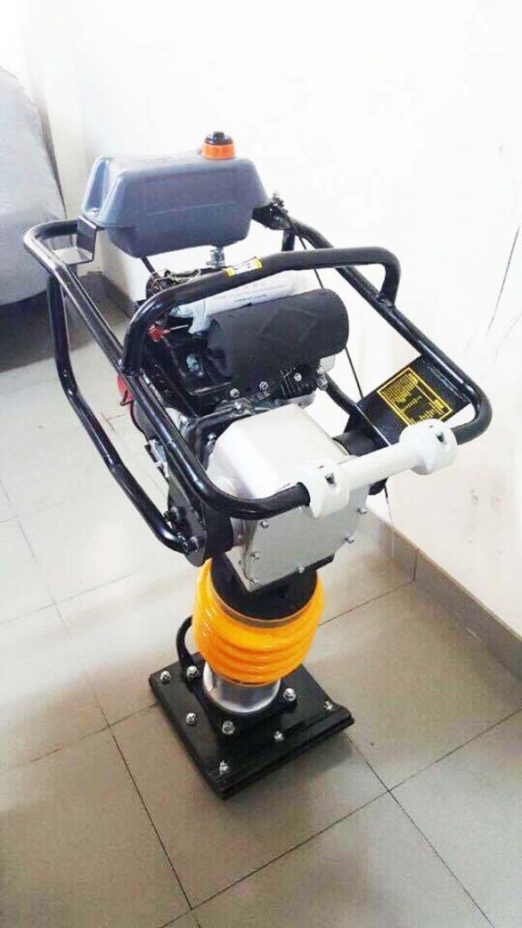 Máy đầm cóc RM80 chính hãng giá tốt