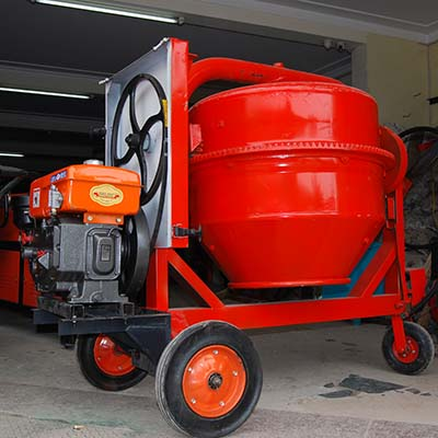 Máy trộn bê tông 350L động cơ Diesel giá tốt