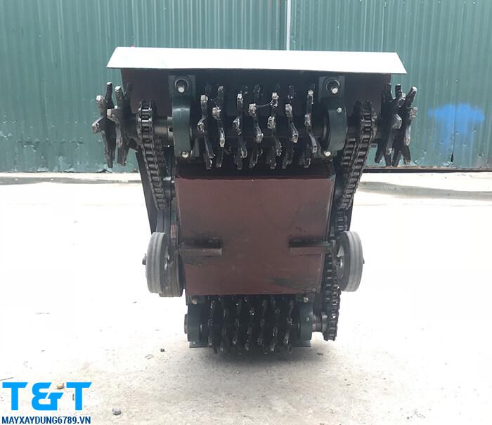 Máy băm nền HQS600 giúp băm phá, tạo nhắm cho các bề mặt bê tông, kể cả những bề mặt răn chắc nhất