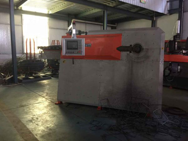 giá máy duỗi cắt uốn đai tự động CNC