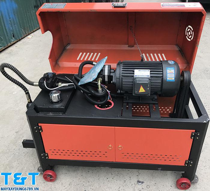 Máy cắt duỗi sắt tự động GT40-10 được nhập khẩu nguyên chiếc từ Trung Quốc, là trợ thủ đắc lực cho các nhà thầu xây dựng