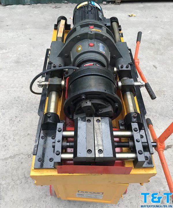 Máy lăn ren HGS 40 được trang bị động cơ có công suất 4kw