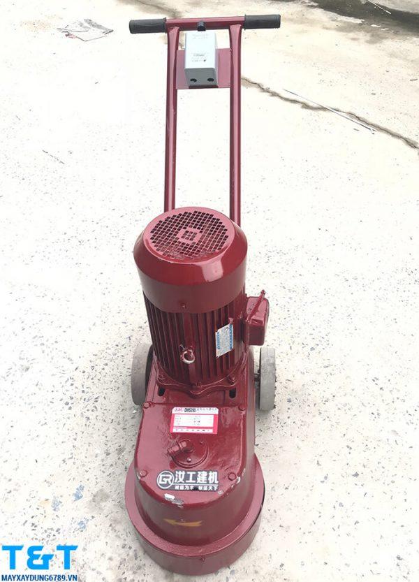 Máy mài sàn bê tông DMS350 được nhập khẩu từ Trung Quốc, đảm bảo các tiêu chí về chất lượng cũng như yêu cầu về phụ tùng thay thế