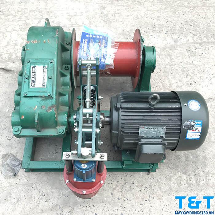 Máy tời mặt đất JM1 có sức kéo lên đến 1 tấn, rất dễ sử dụng và được đảm bảo an toàn nhờ hệ thống phanh cao cấp