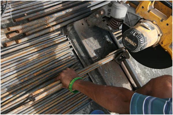 Những mẹo cần biết khi sử dụng máy cắt sắt