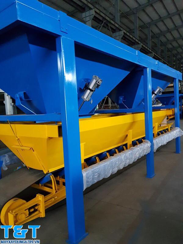 Phễu cấp liệu PLD-1200 chính hãng được làm từ chất liệu cao cấp. có tuổi thọ lâu dài, độ ổn định lớn