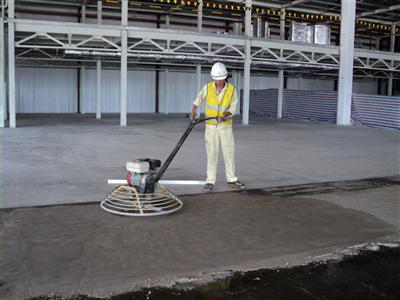 Hướng dẫn xoa nền bê tông bằng máy xoa nền bê tông hiệu quả